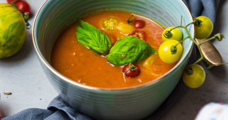 Superjednoduchá polievka z pečených paradajok (bez mlieka, bez lepku, vegan)