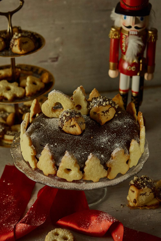 Vianočná perníková torta s ježkami